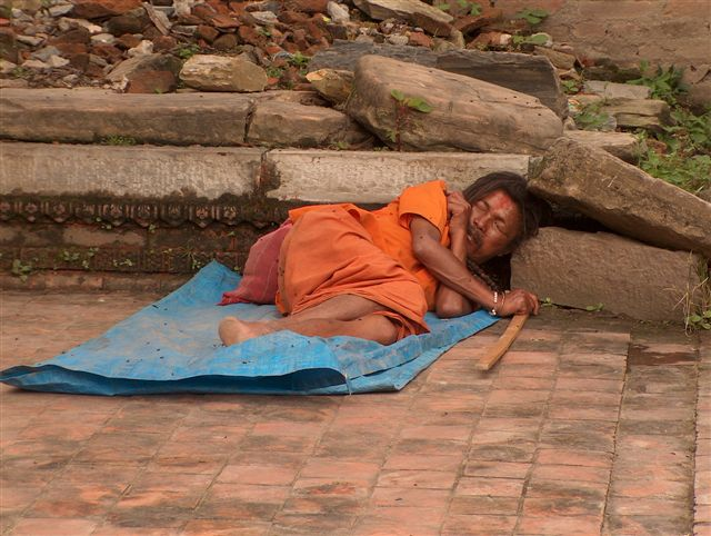 [img]http://nepal2004.world-pictures.nl/images/00058-nepal-zwerver.JPG[/img]